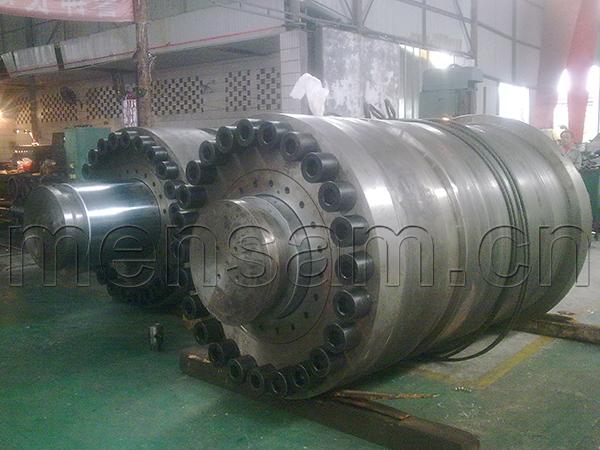 惊雷压力容器4000T折弯机系统大型液压缸