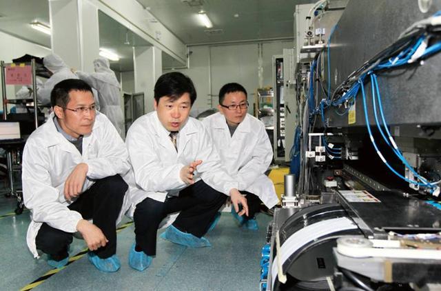 纯国产光刻机取得重大突破!中国人攻克高端光刻机工件台科技难题